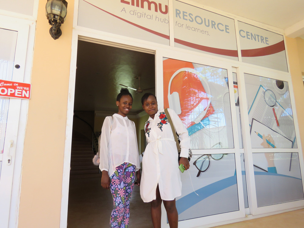elimu resource center malindians.com he_students_n_teacher_at_erc_jn_2016