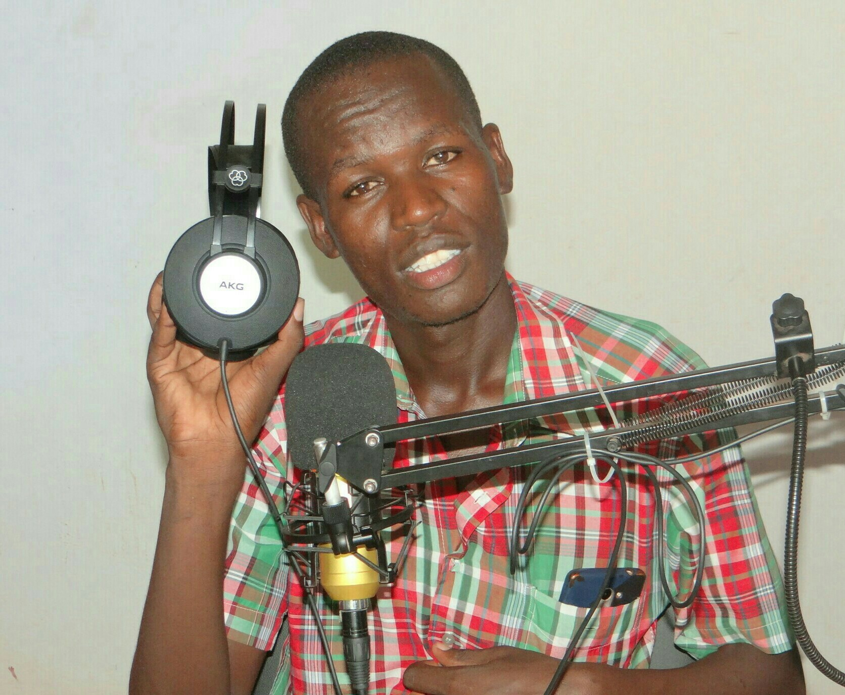 francis shaban shampuzi malindians.com  - Shampuzi atoka Radio Jahazi